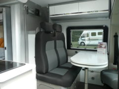location  Adria twin 600 SPT Titan salon