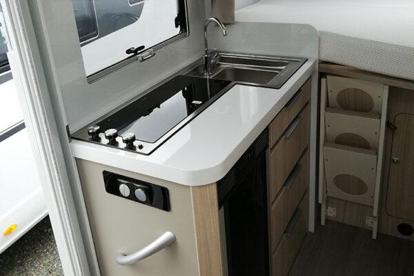 Camping_car_neuf_Adria_Compact_SP_Plus_2020_cuisine