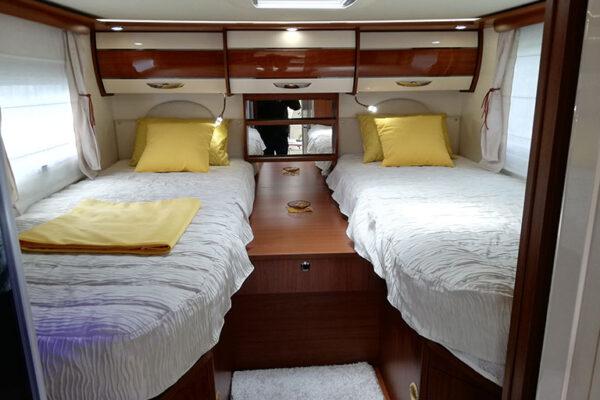 Camping-car_Neuf_I730_LJA_Passion_chambre